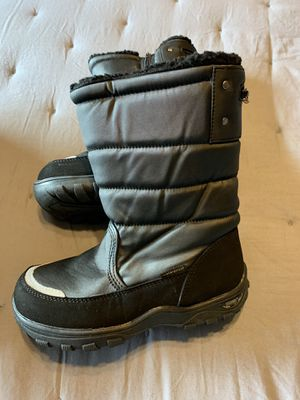 Kids Khombu Snow Boots Size 2 for Sale in Tacoma, WA