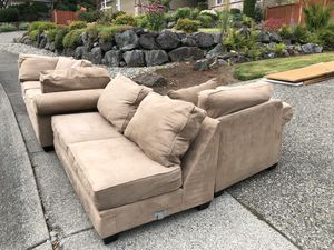 L-shaped tan couch for Sale in Bothell, WA