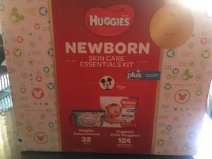 Huggies newborn diapers 124 count for Sale in Staten Island, NY