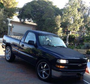 Chevy Silverado 2000 for Sale in Spring Valley, CA