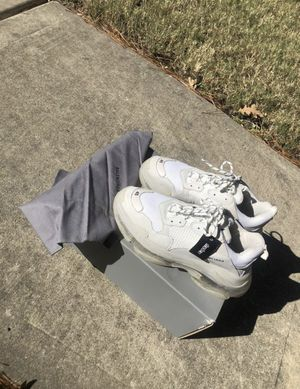Triple S White Balenciagas for Sale in Philadelphia, PA