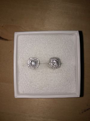 14k white gold white diamond 1/2 cttw earrings for Sale in Alameda, CA