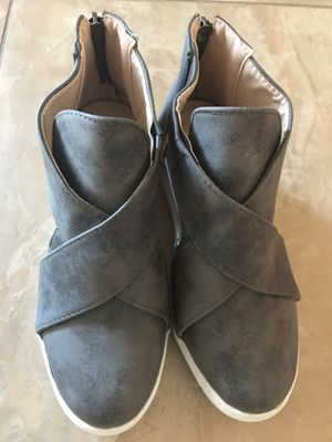 Brand new shoes,size 6 for Sale in Avondale, AZ