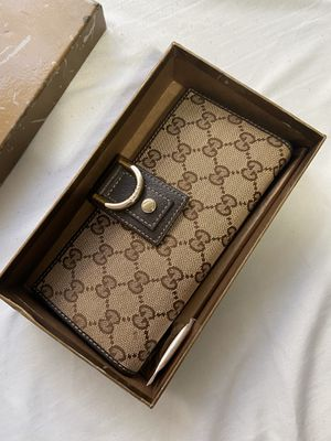 Gucci wallet new with box for Sale in Washington, DC