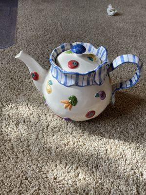 Fits and Floyd petit vegs teapot for Sale in Fircrest, WA