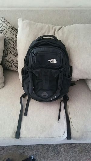 North face recon backpack for Sale in Phoenix, AZ
