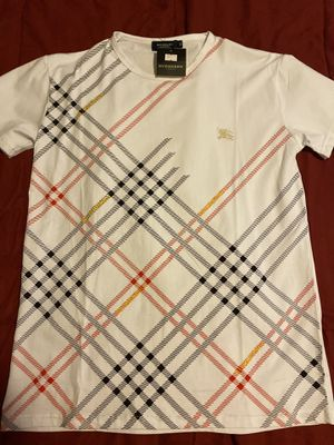 Burberry T-Shirt for Sale in Greensboro, NC