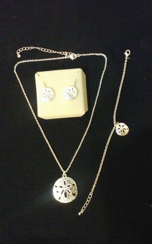 Silver necklace, bracelet and earring set for Sale in Traer, IA