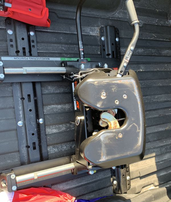 Curt a20 fifth wheel hitch & sliderlike new only used ones