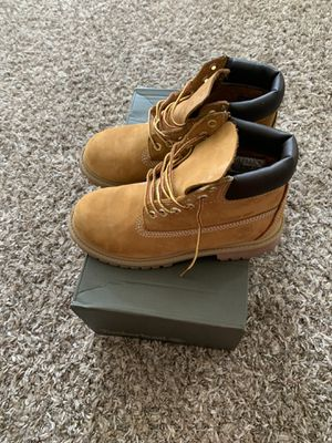 Boys Tim boots size 3 only worn once for Sale in Austell, GA