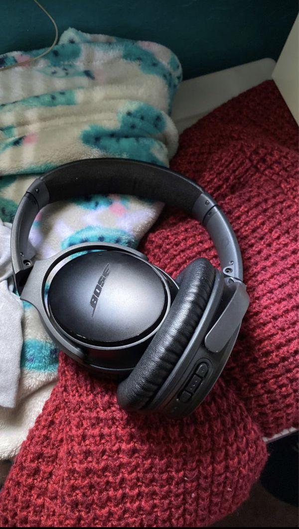 Used Bose Qc ii noise canceling Bluetooth headphones