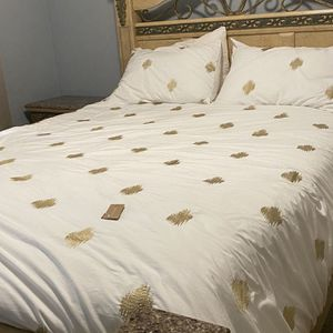 Queen bedroom set - bed frame, dresser, side table for Sale in San Diego, CA