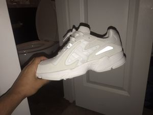 Adidas !!!!! Never ever been worn !!!!!!! Size 10.5 for Sale in Houston, TX