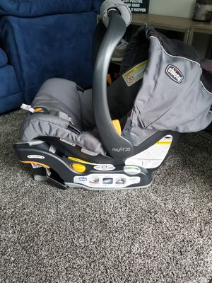 Graco KeyFit30 car seat and base for Sale in Lansdowne, PA