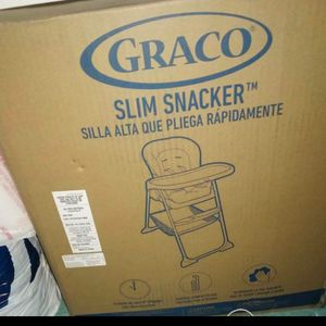 Graco Slim Snacker Fast Folding High Chair READ DESCRIPTIONS for Sale in South Gate, CA