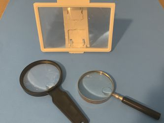 2 magnifying glasses and one magnifying glass for iPad for Sale in Vancouver,  WA