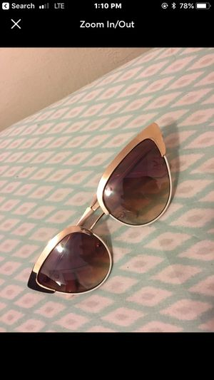 Gold AVIATOR sunglasses for Sale in Brentwood, MD