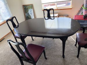 Dinning room table and chairs for Sale in Peyton, CO