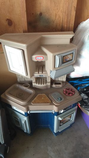 Little tikes kitchen for Sale in Fullerton, CA