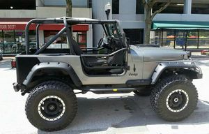 LIFTED JEEP WRANGLER MADE FOR A ROCK CRAWLER ROAD READY 350 SMALL BLOCK ALOT OF XTRAS for Sale in Orlando, FL