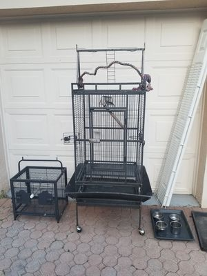Bird cage for Sale in Coral Springs, FL