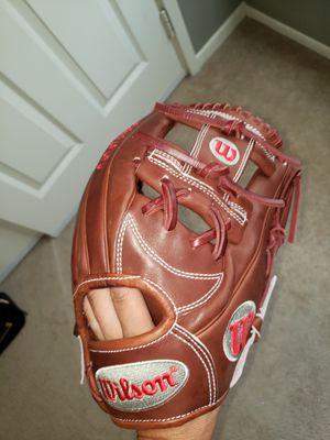Wilson A2000 11.75inch Baseball Glove for Sale in Riverside, CA