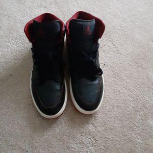 Jordan 1 retro mids black red white for Sale in Springfield, IL