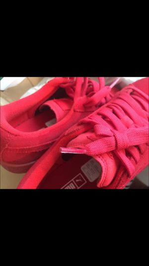 Size 5.5 youth red pumas NEW for Sale in Miami, FL