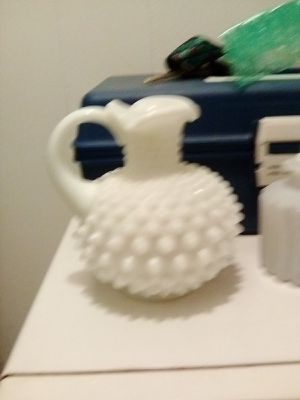 Milk glass...different prices for all...I have lots more glass and collectibles let me know what your looking for ... for Sale in Auberry, CA