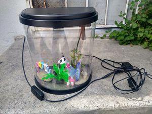 Fish tank 3.5 gallon for Sale in Monterey Park, CA