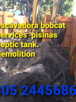 Bobcat Escavadora Volteo for Sale in Hialeah,  FL