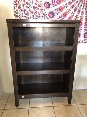 3 shelves bookcase for Sale in Houston, TX