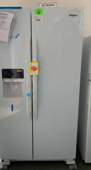 Refrigerator side-by-side!! White exterior! Whirlpool all new with Warranty M1F for Sale in Houston, TX