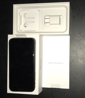 Brand new factory unlocked iPhone XS 64gb black for Sale in Coconut Creek, FL