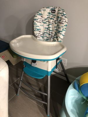 Chicco high chair for Sale in Altamonte Springs, FL