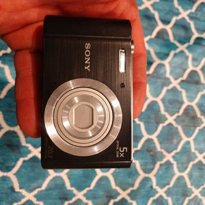 Sony digital camera 5 x optical zoom 20.1 megapixels for Sale in Sound Beach, NY