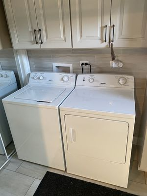 HOTPOINT Washer & Dryer (like new) for Sale in Franklin Park, IL