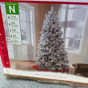 7.5 ft pre-lit Christmas tree Winter Frost Pine Tree for Sale in Haines City, FL