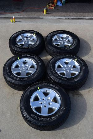 Jeep Wrangler tires for Sale in Miami, FL