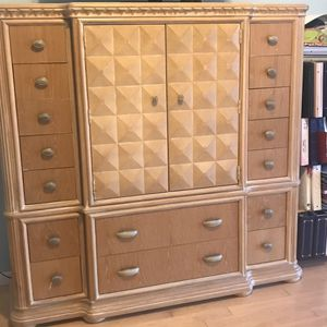 Armoire and two nightstands for Sale in Fort Lauderdale, FL