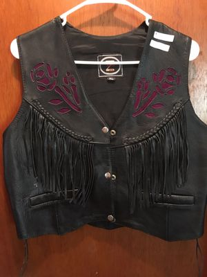 Zony Women's Leather Fringe Vest for Sale in Stratford, CT