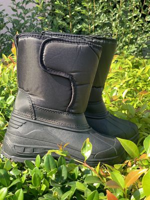 Snow boots for kids / kid's snow boots sizes 9,10,11,12,13,1,2,3,4 $25 for Sale in Bell, CA