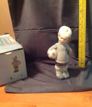 Lladro figurine. My eco Futbolista N. 4967 for Sale in Redondo Beach, CA