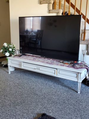 Stand table for Sale in Dearborn, MI