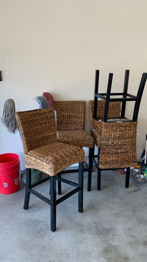 Haig table chairs new for Sale in Downey, CA