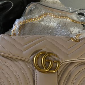 Nice Handbag For Ladies for Sale in Rockville, MD