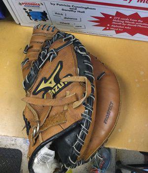 Mizuno baseball glove for Sale in Matawan, NJ