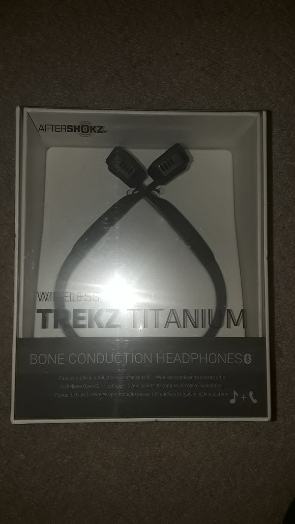 Aftershokz brand Trekz bone conduction wireless headset