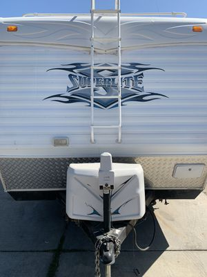 2007 Super light toy hauler by weekend warrior for Sale in Manteca, CA