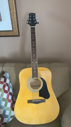 Silvertone Pro Series CA 105527 with brand new MARQUIS bronze strings and 11 thin blue picks for Sale in Miami, FL